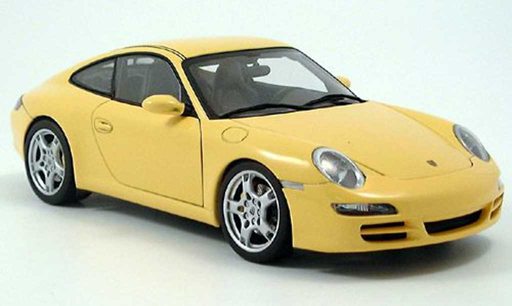 Porsche 997 S 1/18 Autoart Carrera yellow 2004 diecast model cars