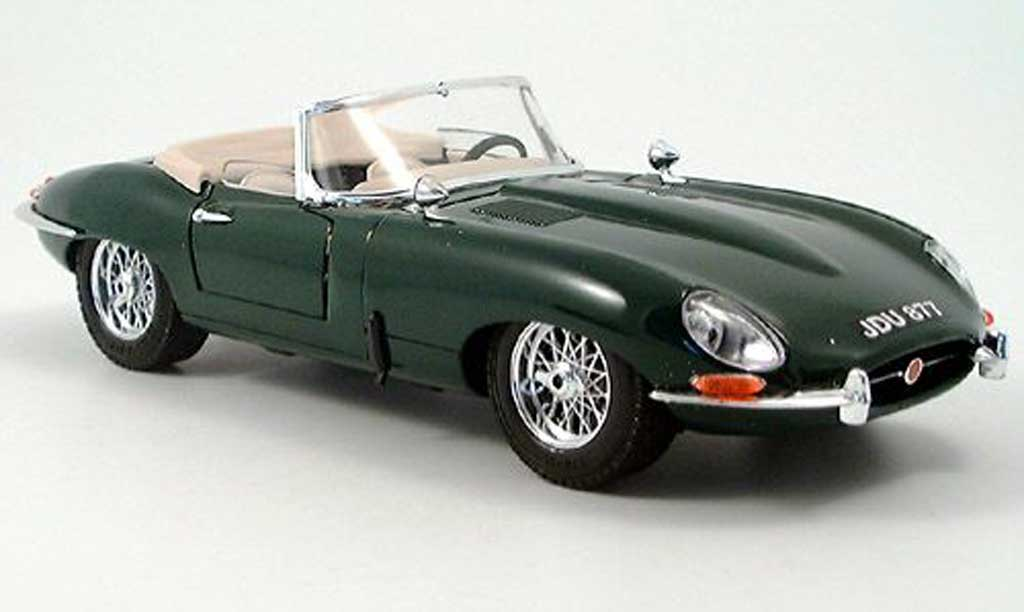 jaguar type e 1961 miniature cabriolet verte burago 1 18 voiture. Black Bedroom Furniture Sets. Home Design Ideas