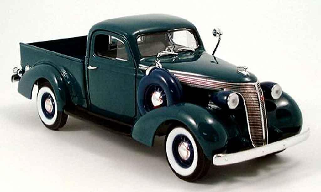 Studebaker Coupe Express 1/18 Yat Ming pick up grun 1937 miniature