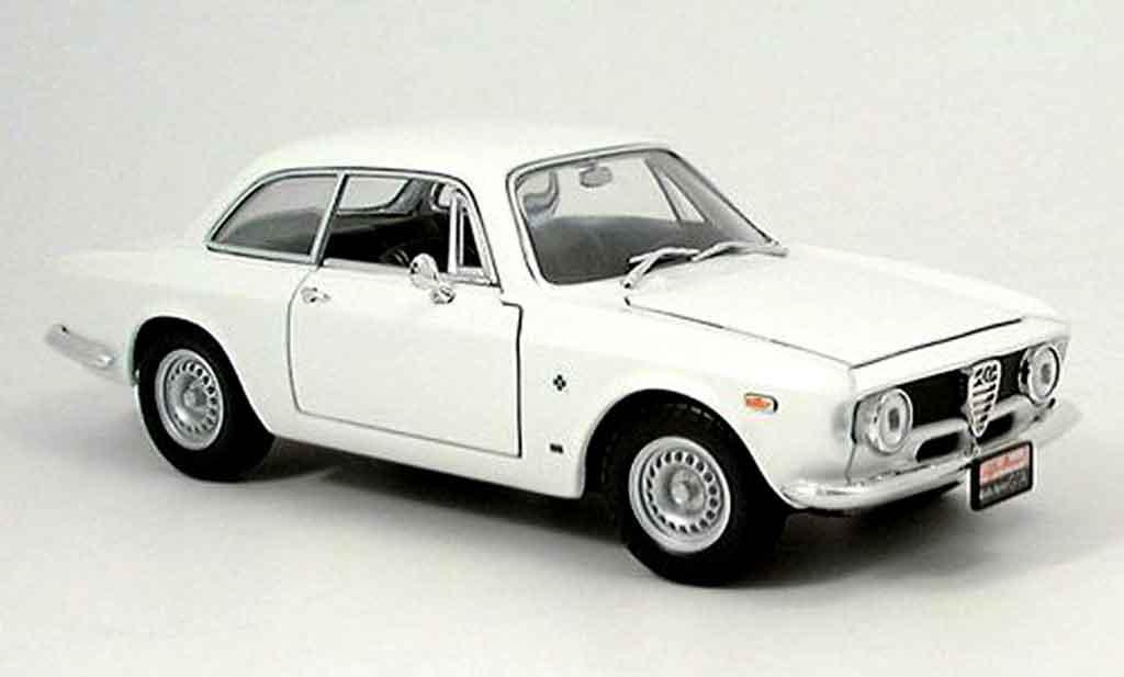 Alfa Romeo Giulia 1300 GTA sprint white 1963 Yat Ming. Alfa Romeo Giulia 1300 GTA sprint white 1963 miniature 1/18