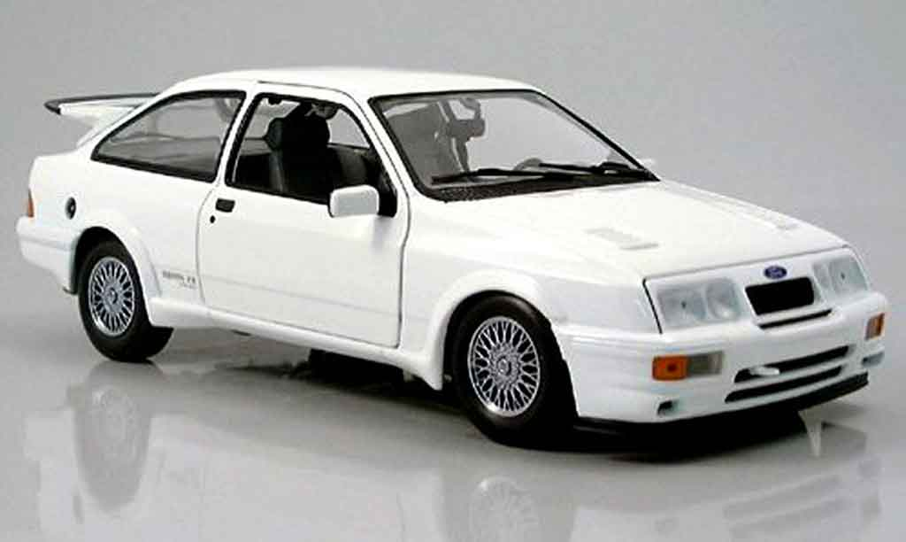Ford Sierra Cosworth RS 1/18 Minichamps blanche 1988 miniature