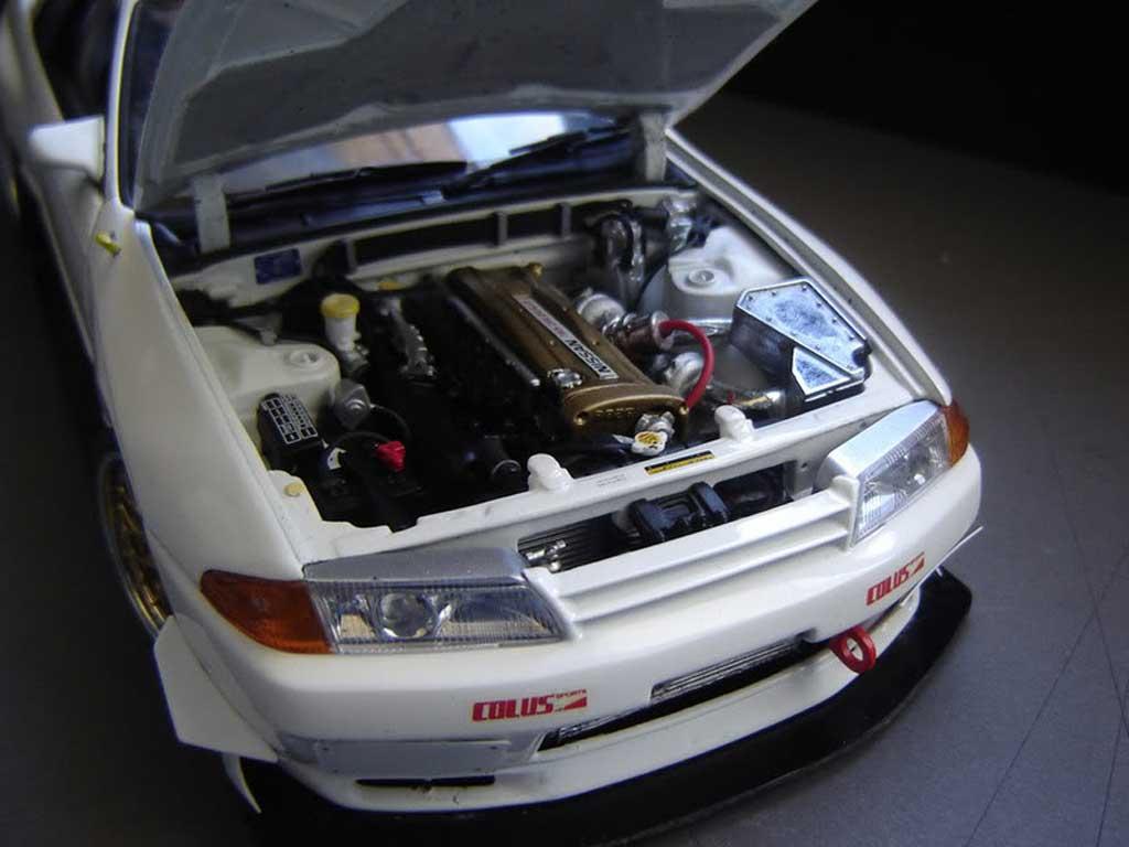 Nissan Skyline R32 1/18 Kyosho Time attack bianca