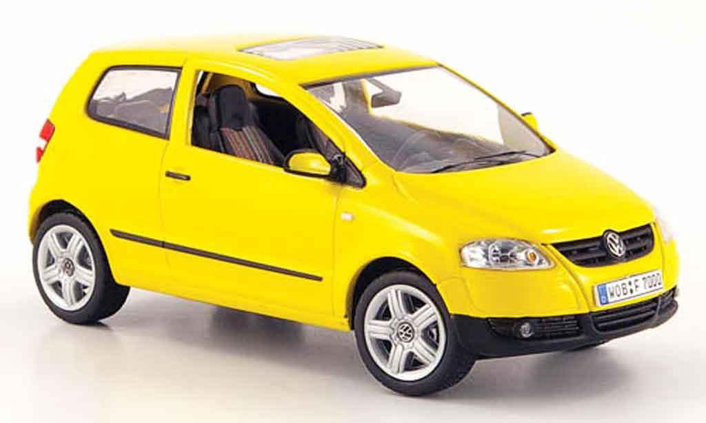Volkswagen Fox 1/43 Schuco jaune 2005 miniature