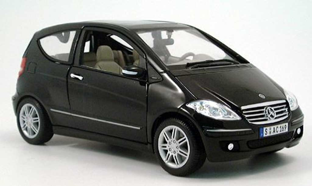 mercedes classe a miniature noir 3 turer 2005 maisto 1 18. Black Bedroom Furniture Sets. Home Design Ideas