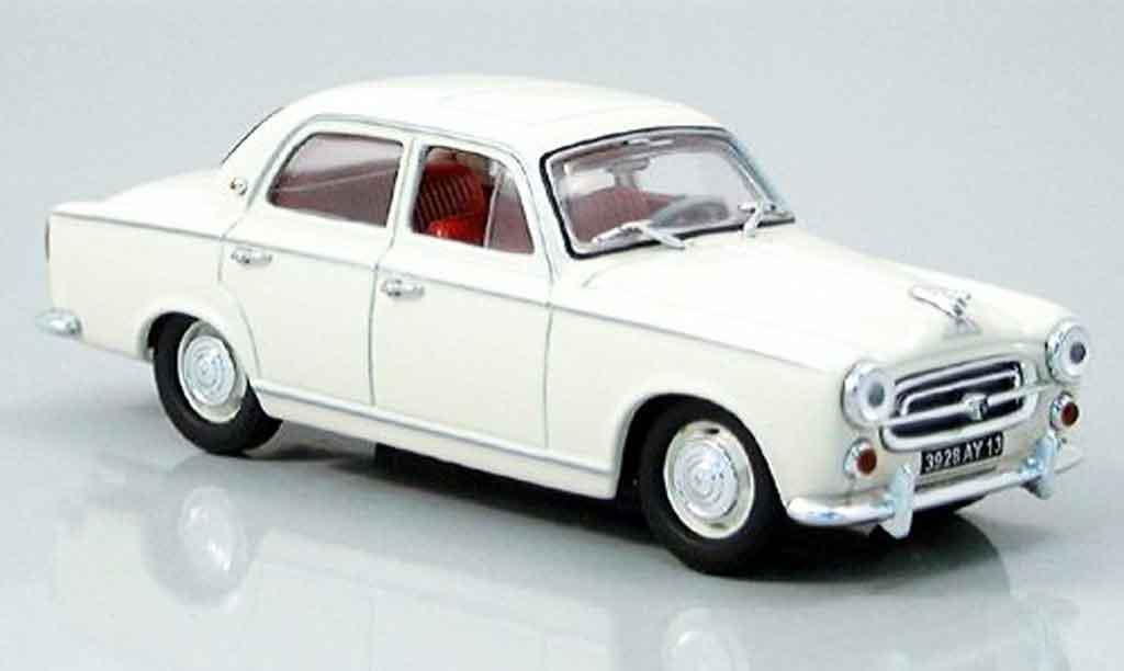 Peugeot 403 Berline 1/43 Nostalgie beige 1957 miniature