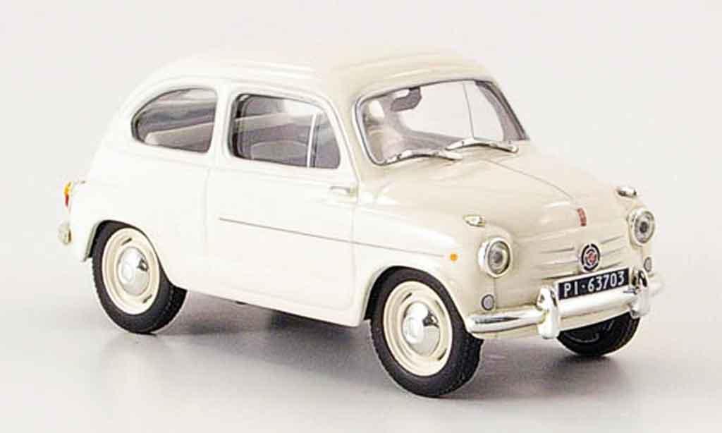 Fiat 600 1/43 IXO blanche miniature