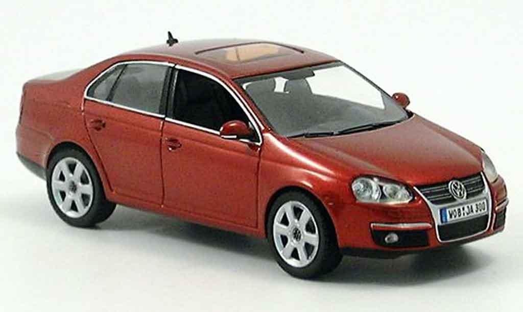 Volkswagen Jetta 1/43 Schuco rouge 2005 miniature