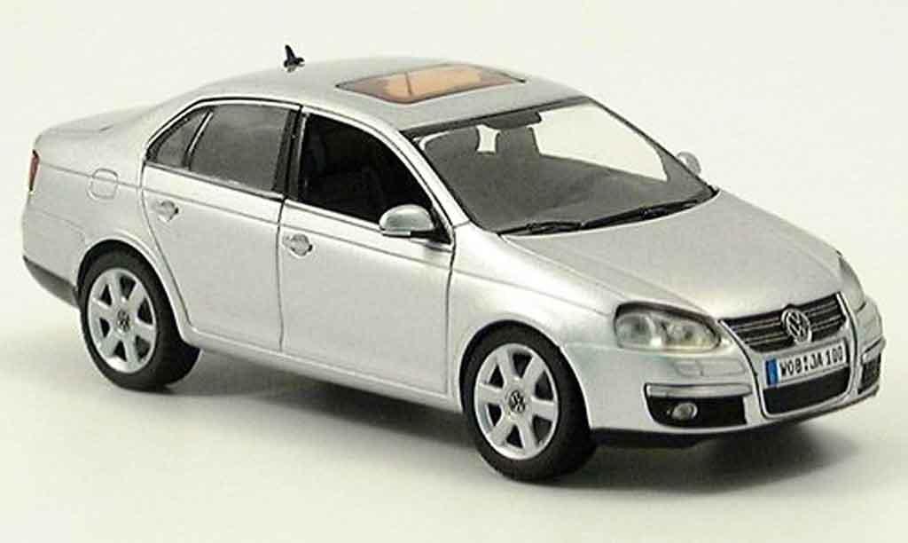 Volkswagen Jetta 1/43 Schuco grise metallisee 2005 miniature