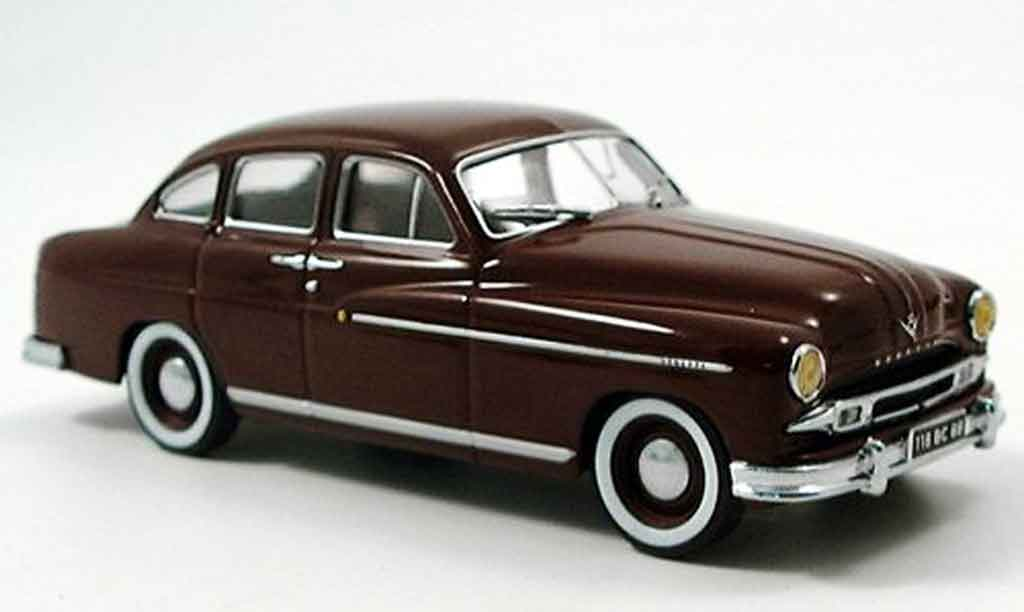 Ford Vedette 1/43 IXO marron 1954 miniature