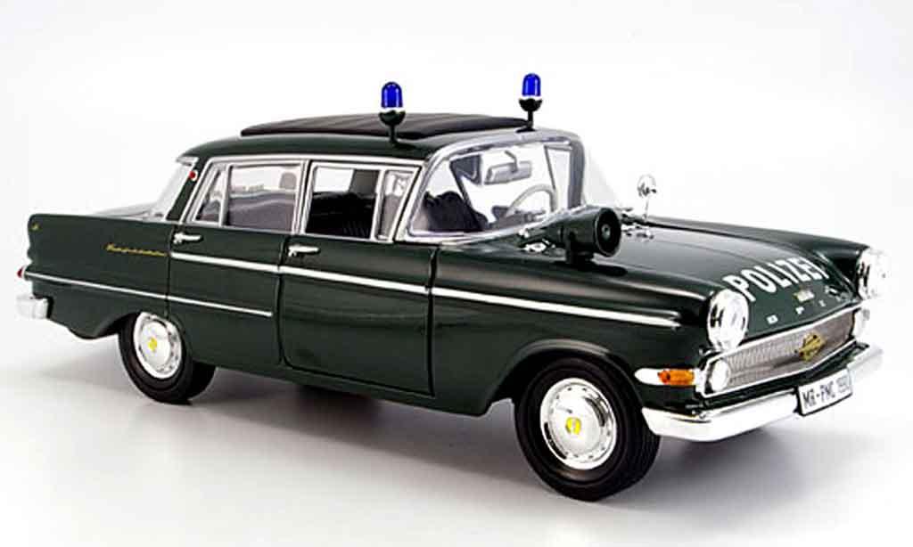 Opel Kapitan 1/18 Revell polizei 1961 miniature