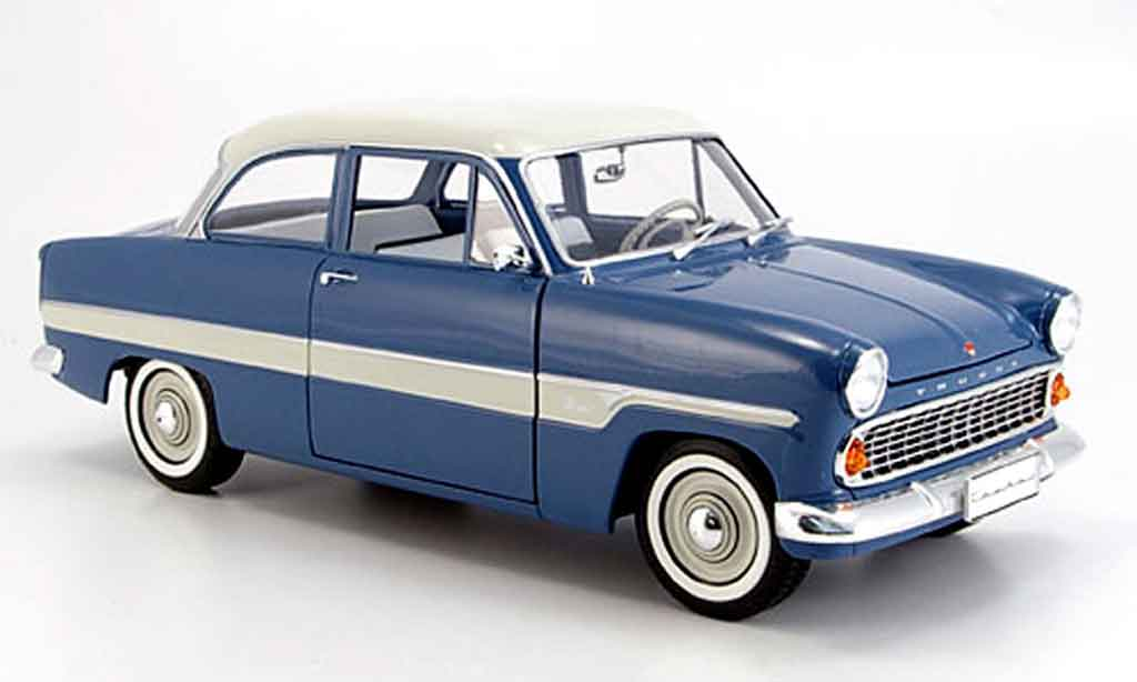 Ford Taunus 1/18 Revell 12m bleu/blanche bandes 1962 miniature