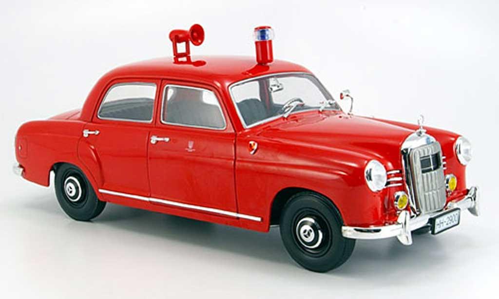 Mercedes 180 1/18 Revell (w 120) pompier 1963 miniature