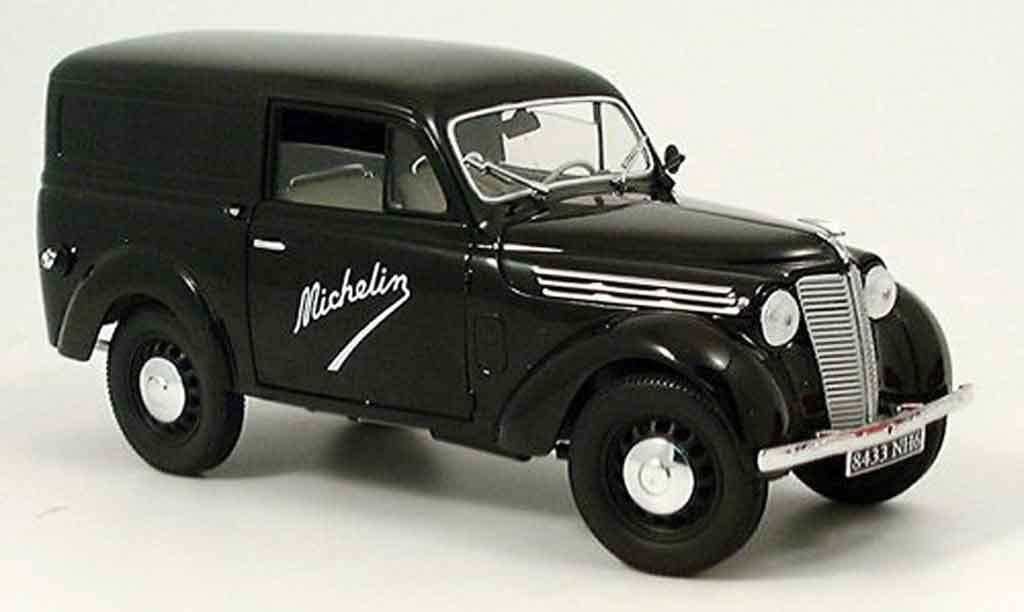 Renault Juvaquatre 1/18 Solido michelin 1952 diecast model cars
