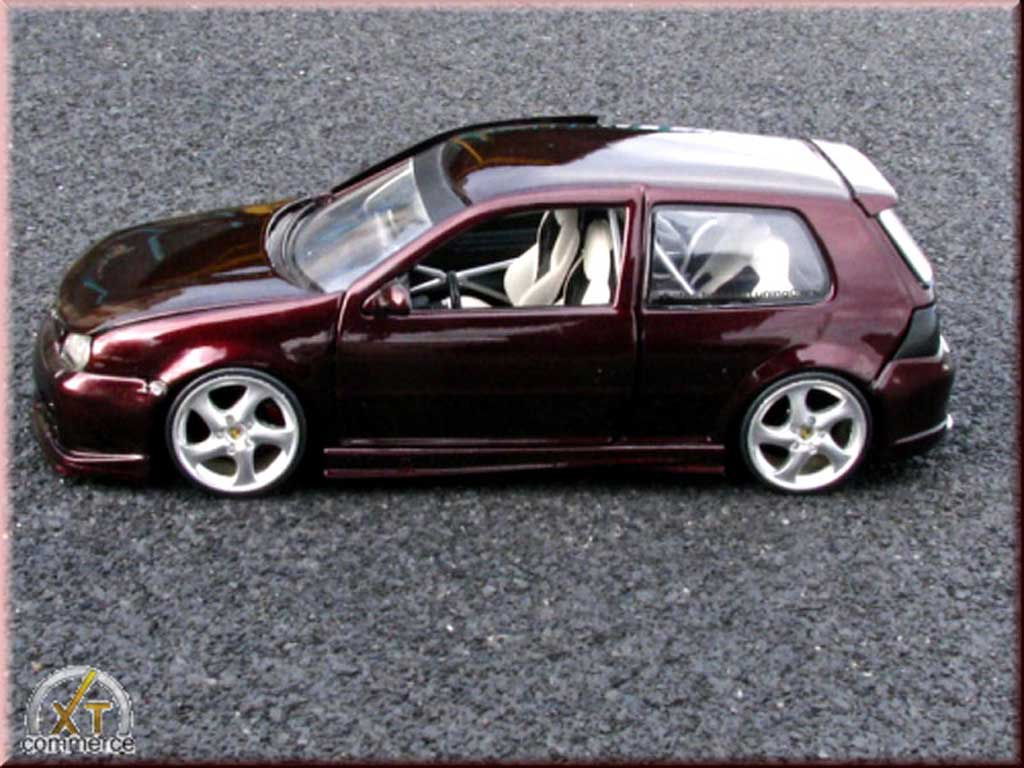 volkswagen golf 4 gti violette jantes porsche 17 pouces kit carrosserie revell coches miniaturas. Black Bedroom Furniture Sets. Home Design Ideas
