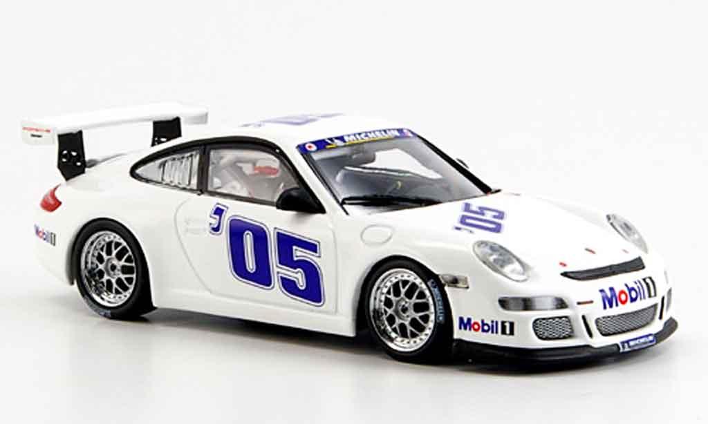 Porsche 997 GT3 Cup 2005 1/43 Minichamps blanche Prasentation miniature