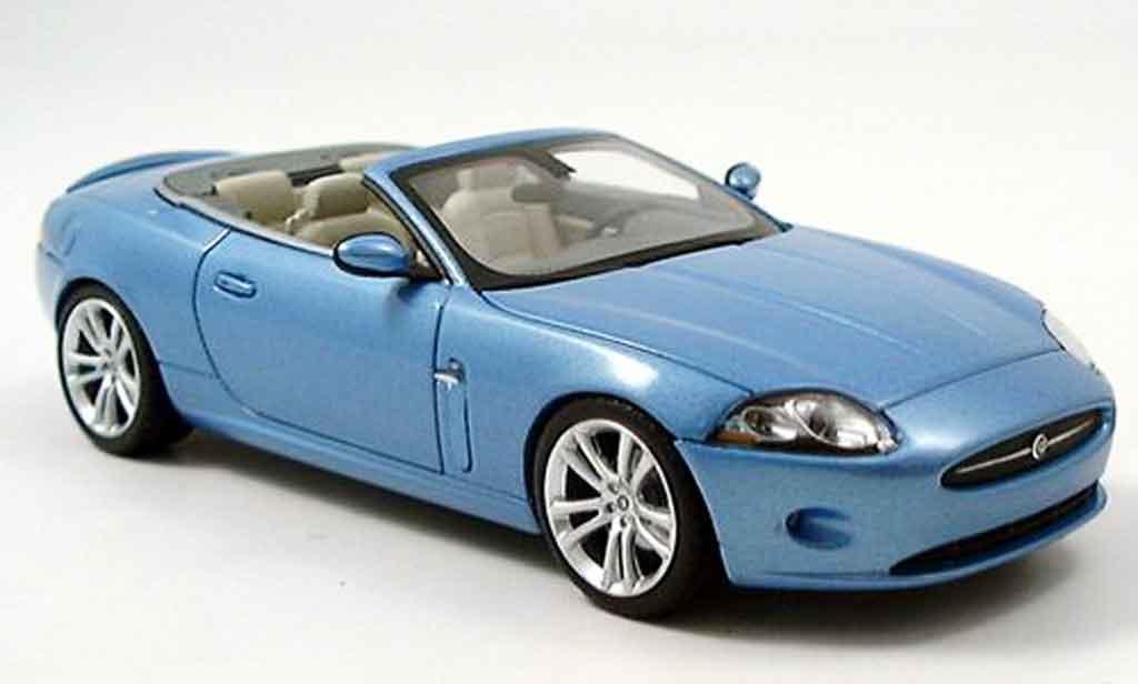 jaguar xk cabriolet miniature bleu 2005 minichamps 1 43 voiture. Black Bedroom Furniture Sets. Home Design Ideas