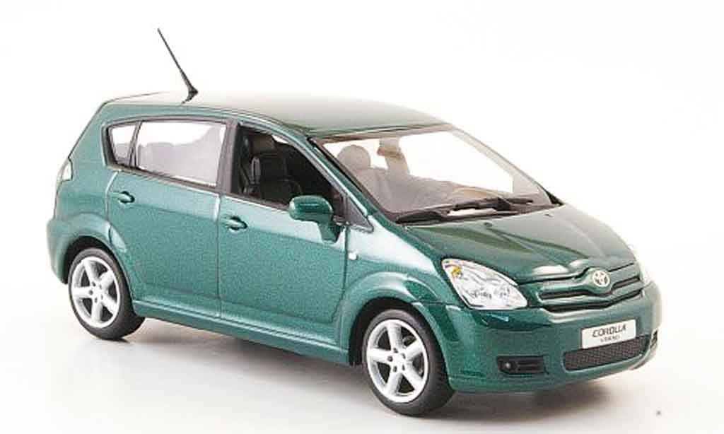 toyota corolla miniature verso verte 2004 minichamps 1 43. Black Bedroom Furniture Sets. Home Design Ideas