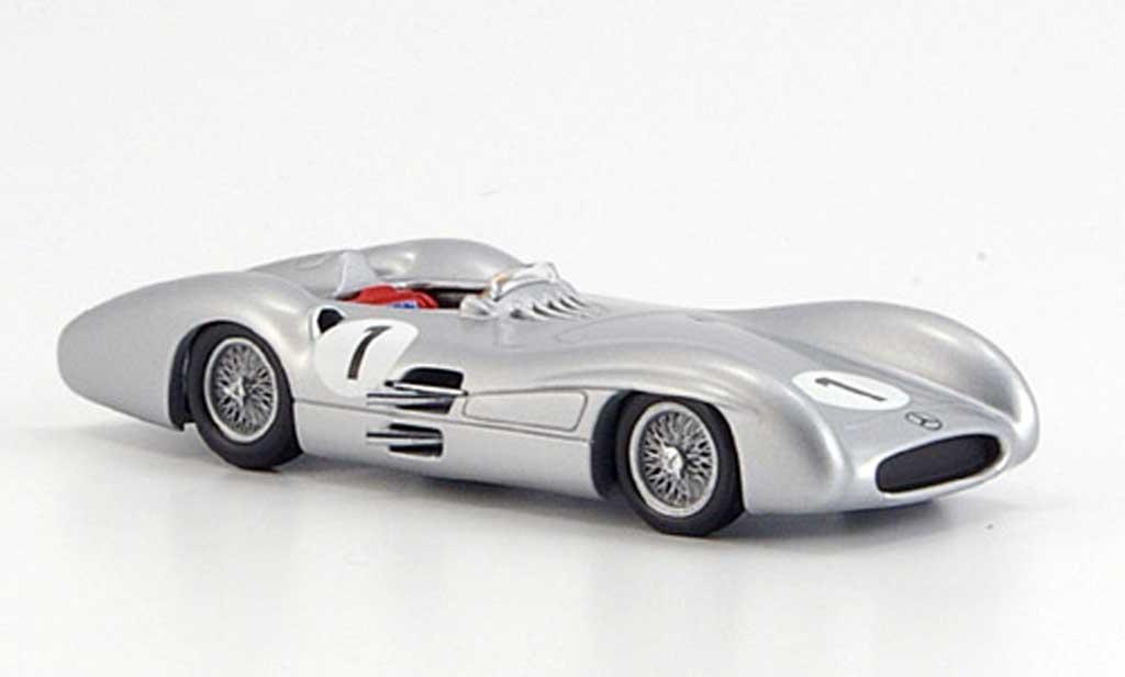 Mercedes W 196 1/43 Minichamps Fangio GP Grossbritannien 1954 diecast model cars
