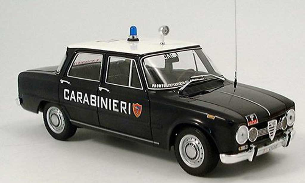 alfa romeo giulia carabinieri police it 1970 minichamps modellauto 1 18 kaufen verkauf. Black Bedroom Furniture Sets. Home Design Ideas