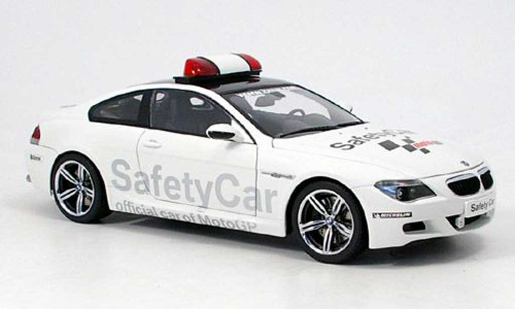 Bmw M6 E63 1/18 Kyosho moto gp safety car 2005 miniatura