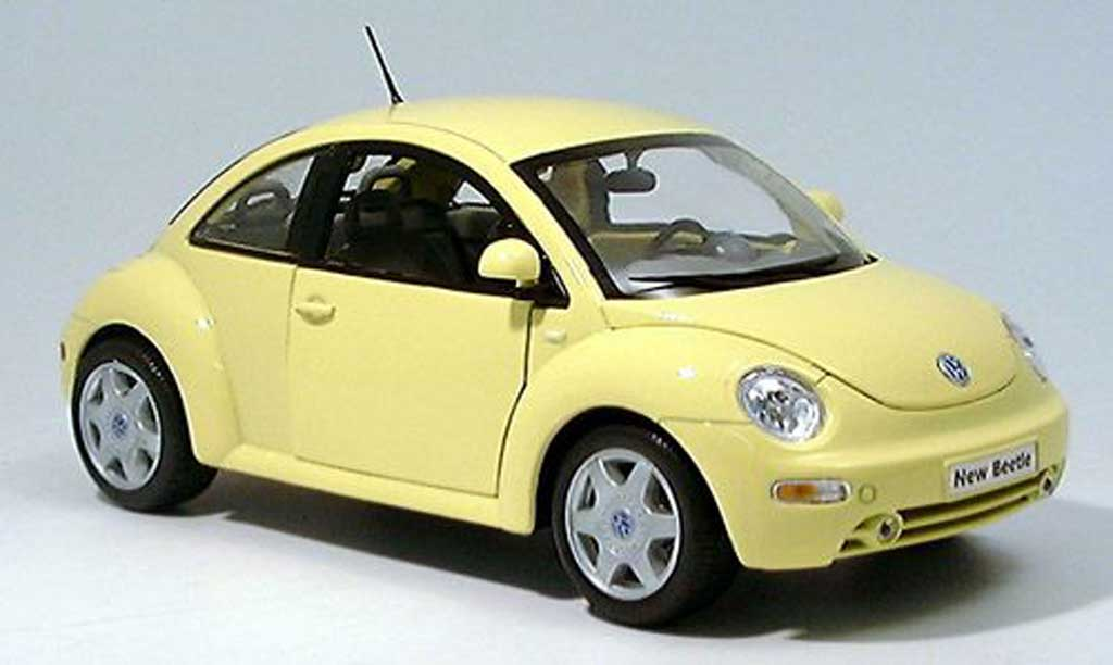 volkswagen new beetle miniature jaune clair welly 1 18 voiture. Black Bedroom Furniture Sets. Home Design Ideas