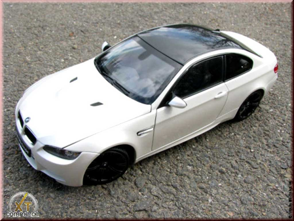 Bmw M3 E92 1/18 Kyosho white coupe jantes noir mat