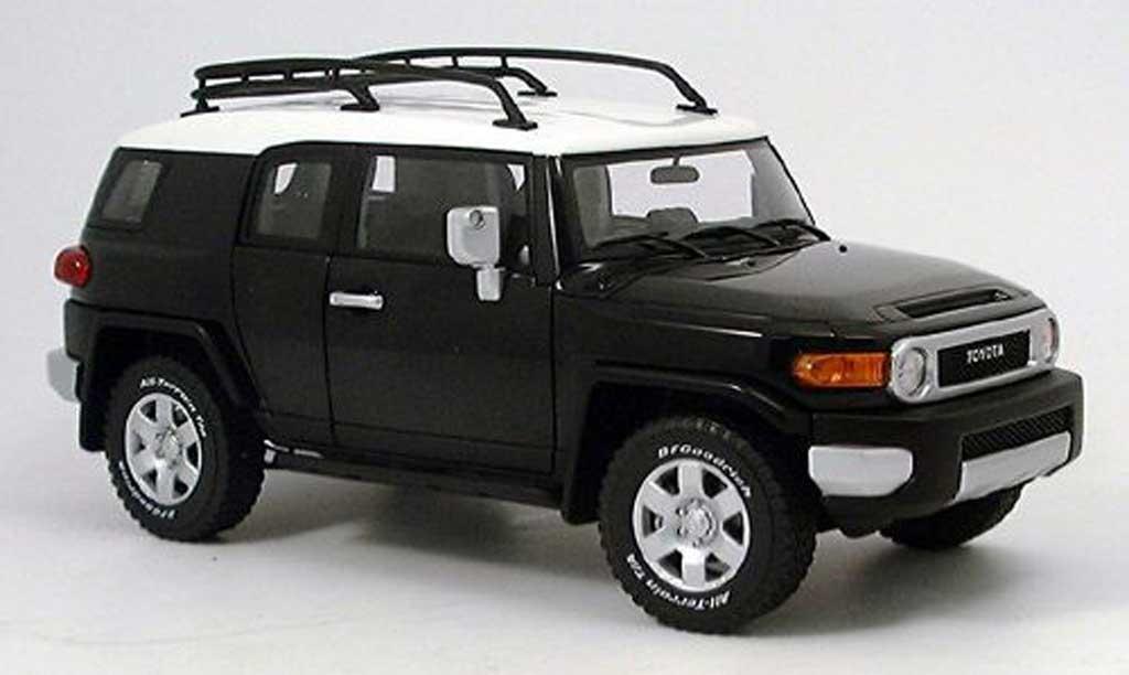 toyota fj cruiser schwarz autoart modellauto 1 18 kaufen verkauf modellauto online. Black Bedroom Furniture Sets. Home Design Ideas
