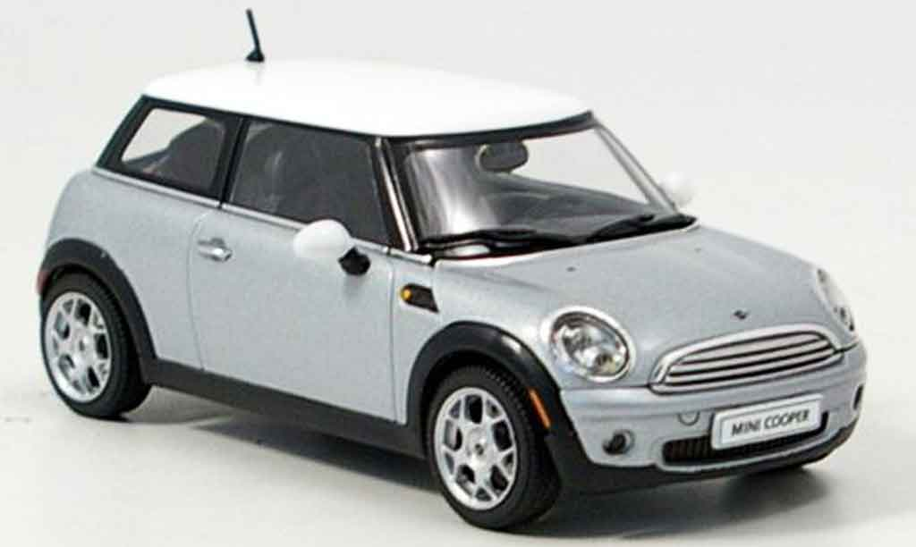 Mini Cooper D 1/43 Autoart grise 2006 miniature