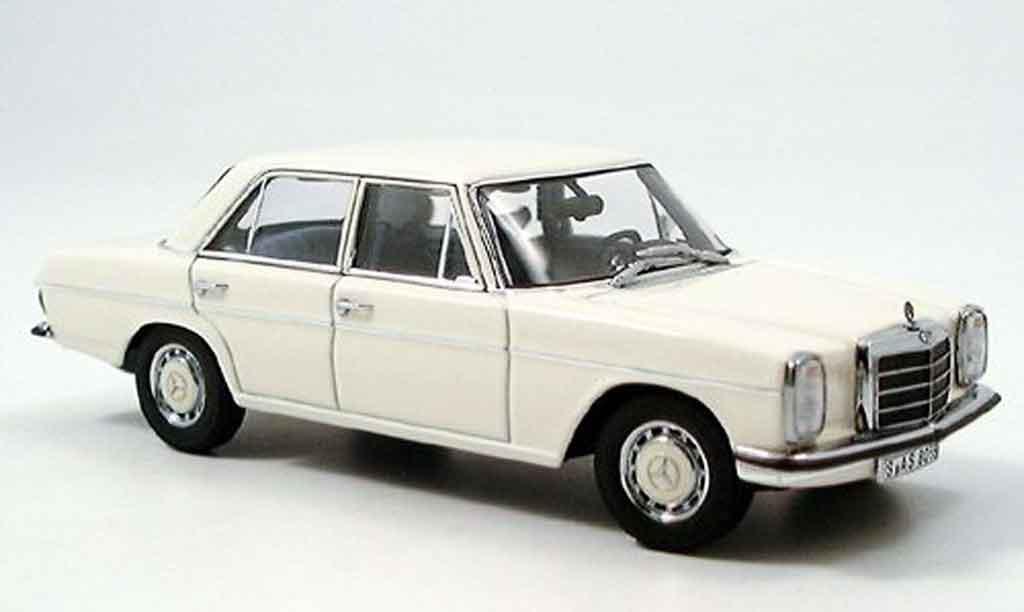 Mercedes 220 1/43 Autoart D Strichachter blanche miniature