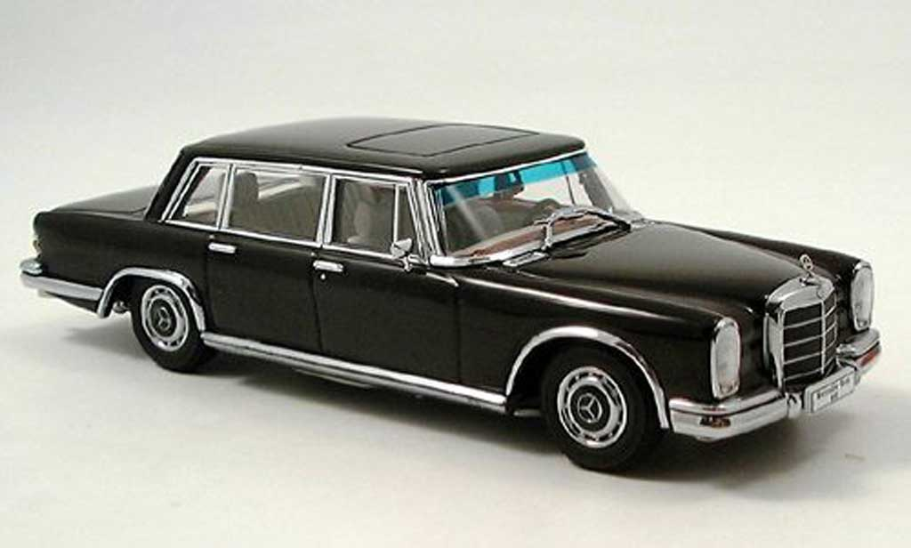 Mercedes 600 1/43 Autoart (W100) SWB noire miniature