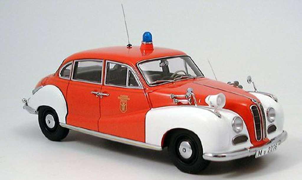 Bmw 501 1/18 Autoart pompier miniature