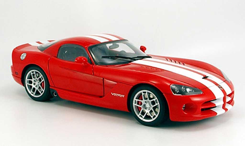 Dodge Viper SRT 10 1/18 Autoart coupe rouge avec bandes blanches 2006 miniature
