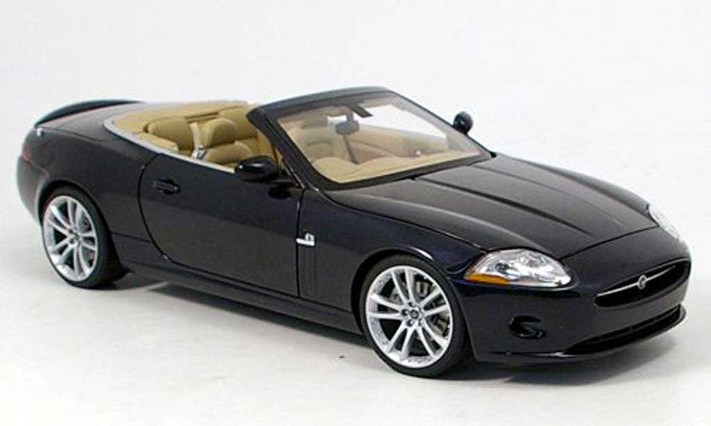 Jaguar XK Cabriolet 1/18 Autoart bleu 2006 miniature