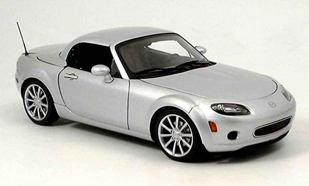 Mazda MX5 2006 1/18 Autoart lhd grise miniature