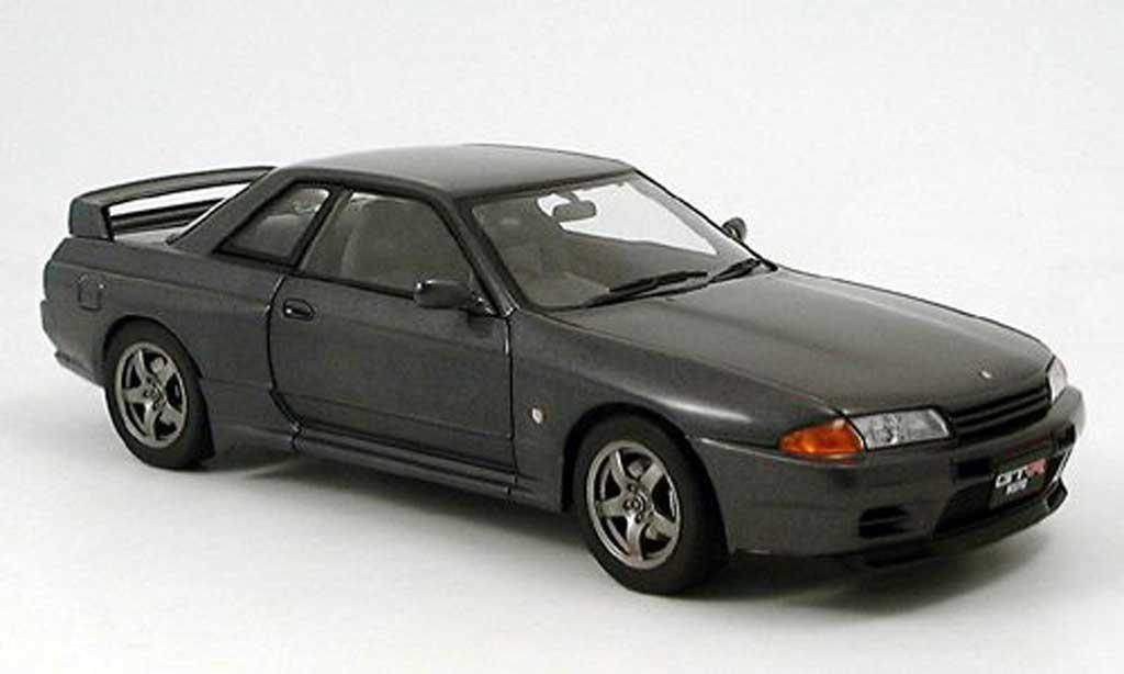 Nissan Skyline R32 1/18 Autoart gtr v-spec.ii grigio modellino in miniatura