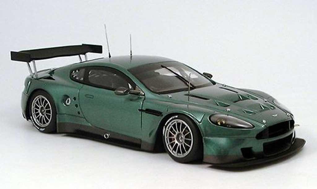 Aston Martin DBR9 1/18 Autoart 24h le mans plain body verte 2005 miniature