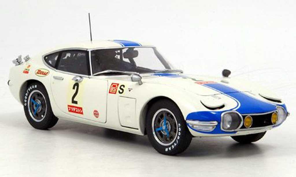 Toyota 2000 GT Fuji 1/18 Autoart no.2 24h 1967 miniature