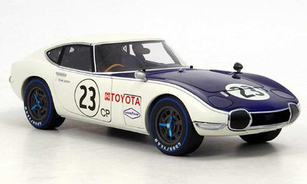 Toyota 2000 GT SCCA 1/18 Autoart no. 23 1968 miniature