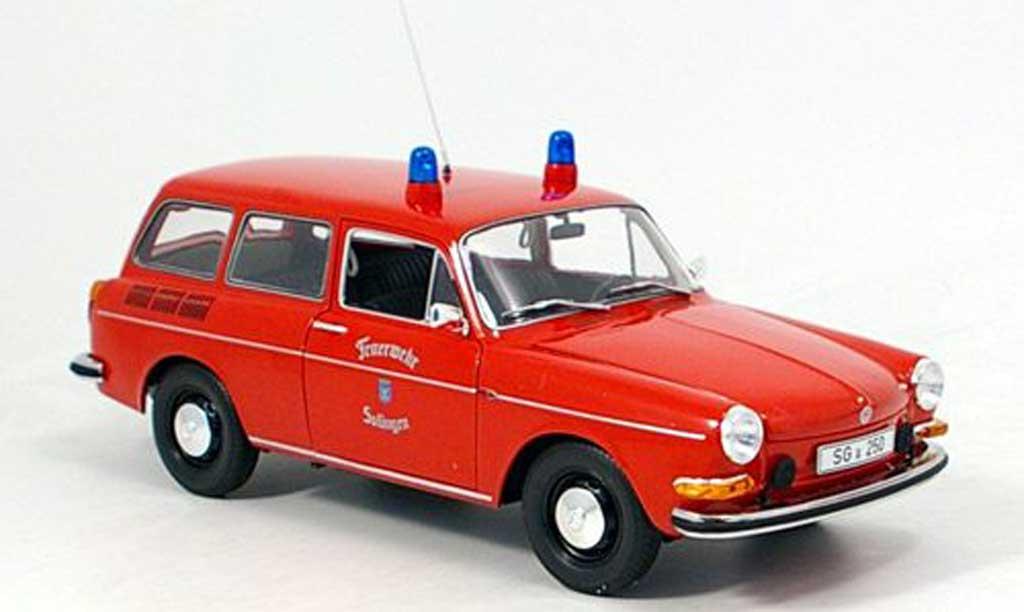Volkswagen 1600 1/18 Minichamps l variant solingen pompier 1972