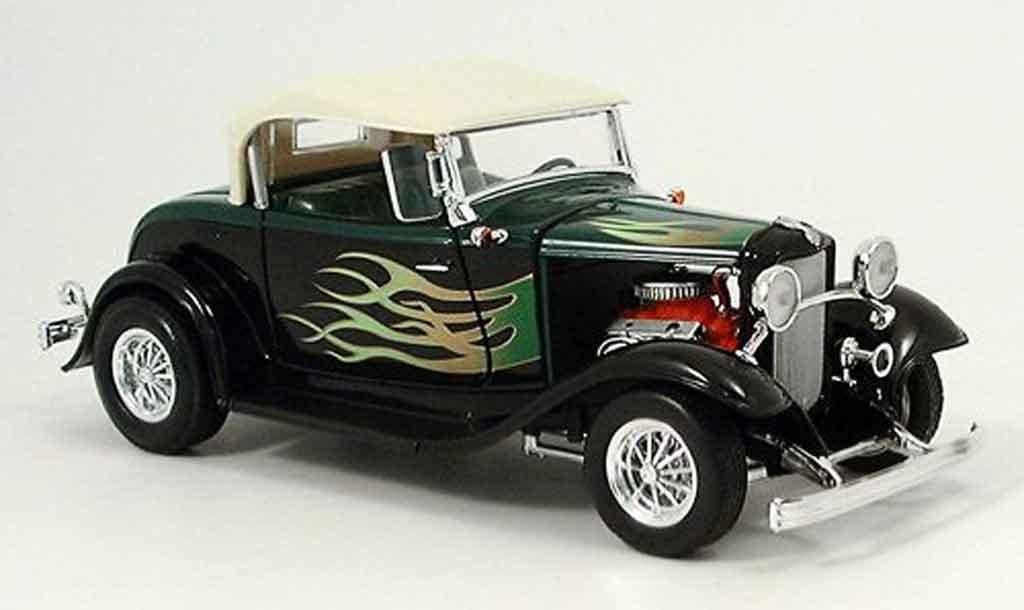 Ford Hot Rod 1/18 Yat Ming roadster street rod verte/noire avec flammen 1932 miniature
