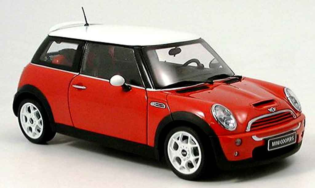 mini cooper s red white kyosho diecast model car 1 18. Black Bedroom Furniture Sets. Home Design Ideas