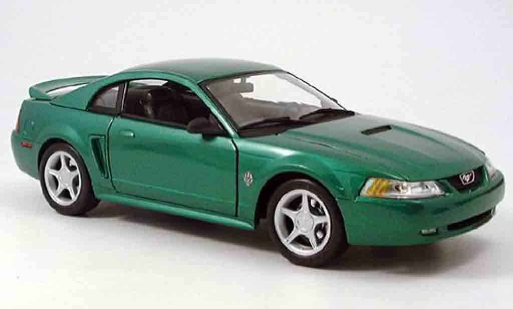 ford mustang gt green 1999 maisto diecast model car 1 18. Black Bedroom Furniture Sets. Home Design Ideas