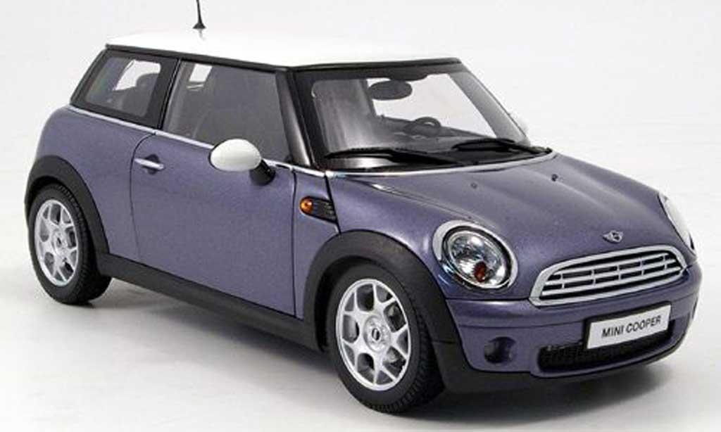 mini cooper d miniature bleu blanche kyosho 1 18 voiture. Black Bedroom Furniture Sets. Home Design Ideas