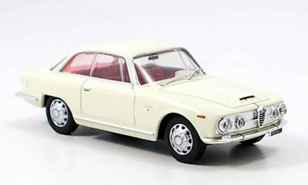 Alfa Romeo 2600 sprint beige 1962 Edison. Alfa Romeo 2600 sprint beige 1962 miniature 1/43