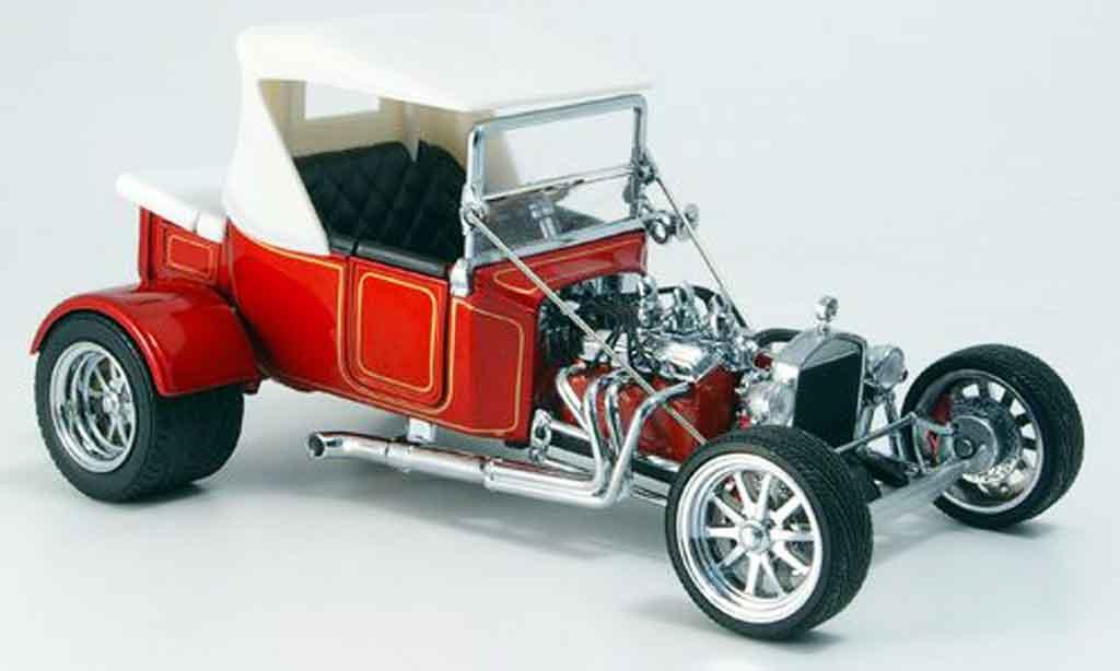 Ford Hot Rod 1/18 Yat Ming t-bucket rouge geschlossen 1925 miniature