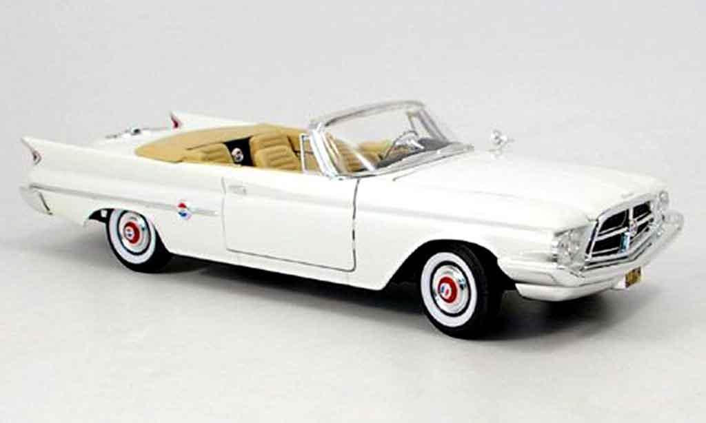 Chrysler 300F 1/18 Yat Ming convertible blanche 1960 miniature