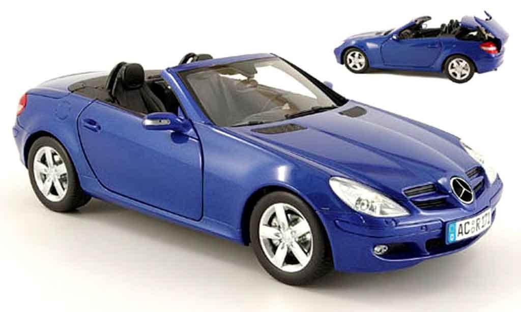 Mercedes Classe SLK 1/18 Minichamps (r 171) bleu 2004 miniature
