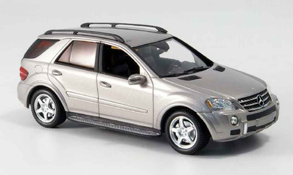Mercedes Classe M 1/43 Minichamps AMG grey metallisee 2006 diecast model cars
