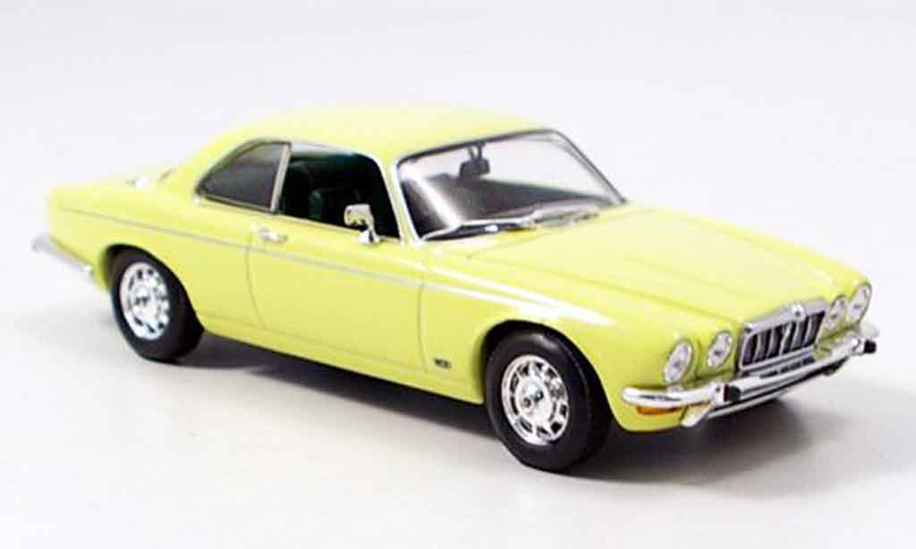 Jaguar XJ 12 1/43 Minichamps 12 coupe series ii beige 1975 miniature