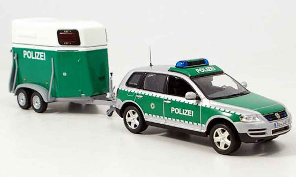 Volkswagen Touareg 1/43 Minichamps avec pferdeanhanger police 2002 miniature